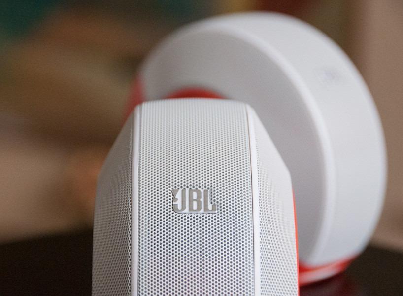 JBL-Pebbles-9-818x600