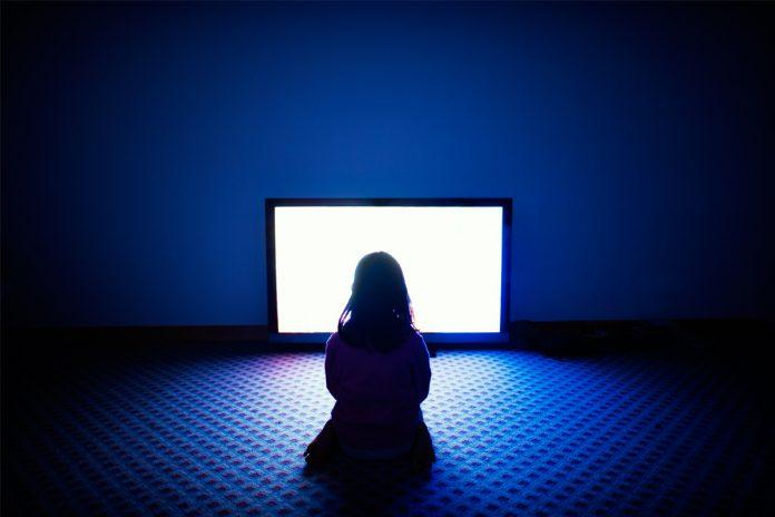 Kako svetlo ekrana vašeg omiljenog uređaja utiče na vaš san
